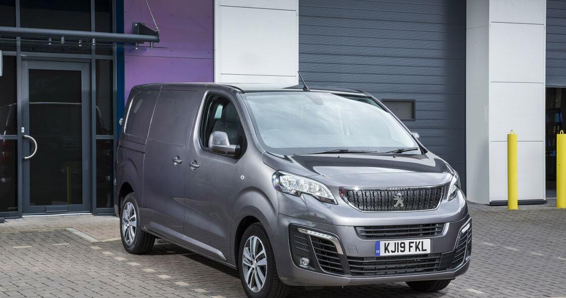 PEUGEOT 1400 2.0 BlueHDi 120 Professional Van