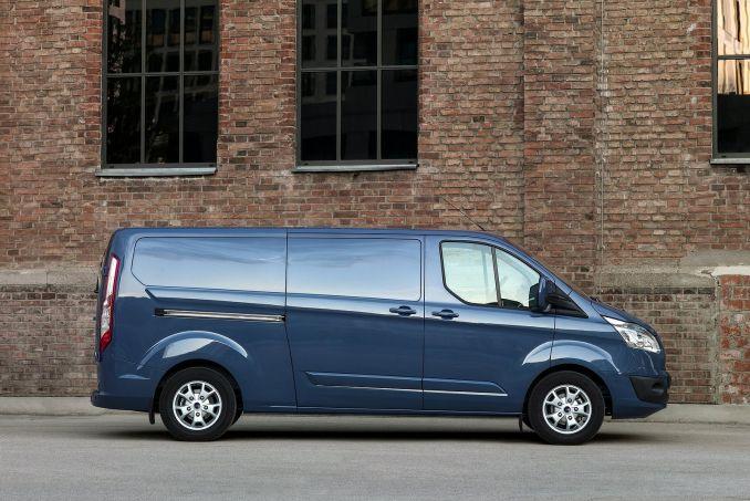 Image 4: Ford Transit Custom 310 L1 Diesel FWD 2.0 TDCI 105PS High Roof Kombi VAN