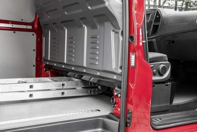 Image 4: Mercedes-Benz Vito Long Diesel 111CDI VAN