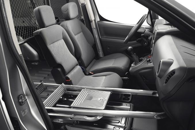 Image 6: Peugeot Partner L1 Diesel 850 1.6 Bluehdi 100 Professional VAN