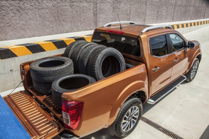Image 6: Nissan Navara Diesel Double CAB Pick UP Acenta+ 2.3DCI 190 4WD