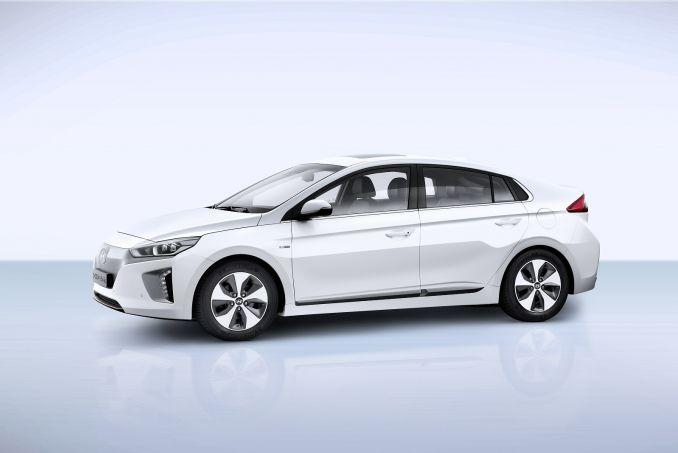 Hyundai Ioniq Hatchback 1 6 Gdi Hybrid Premium 5dr Dct