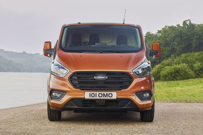 Image 4: Ford Transit Custom 300 L2 Diesel FWD 2.0 Ecoblue 130PS LOW Roof Limited VAN