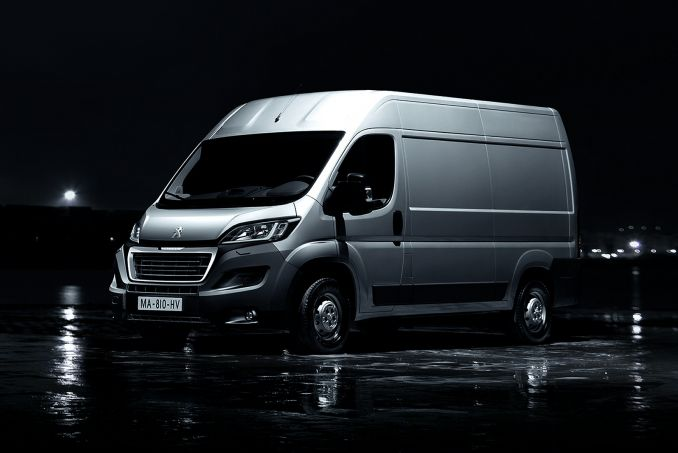 PEUGEOT 2.0 BlueHDi H2 Professional Van 130ps