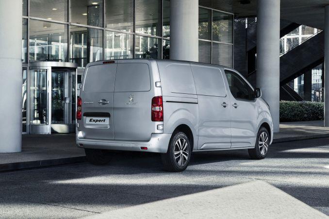 Image 4: Peugeot Expert Long Diesel 1400 2.0 Bluehdi 120 Professional VAN