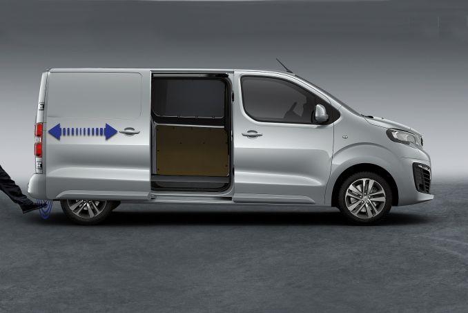 Image 5: Peugeot Expert Long Diesel 1400 2.0 Bluehdi 120 Professional VAN