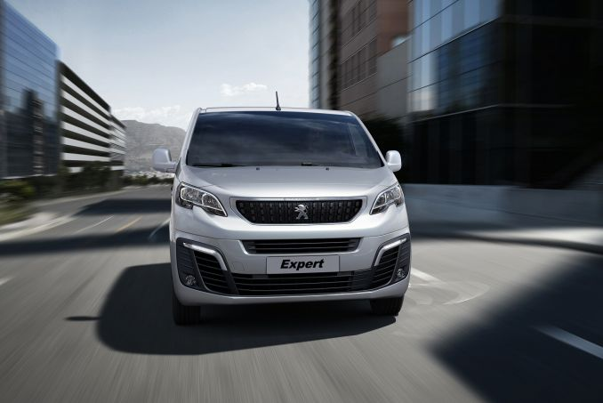 Image 6: Peugeot Expert Long Diesel 1400 2.0 Bluehdi 120 Professional VAN