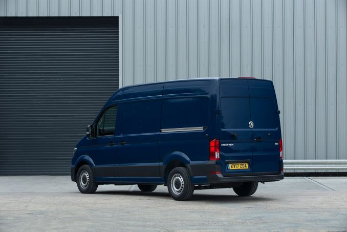 Image 4: Volkswagen Crafter CR30 MWB Diesel 2.0 TDI 102PS Startline High Roof VAN