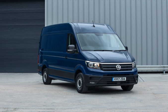 Image 1: Volkswagen Crafter CR30 MWB Diesel 2.0 TDI 102PS Startline High Roof VAN
