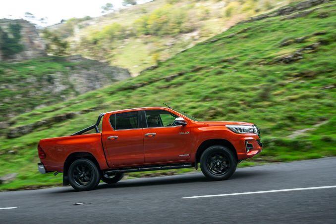 Image 2: Toyota Hilux Diesel Icon D/CAB Pick UP 2.4 D-4D [NAV] [3.5T TOW]