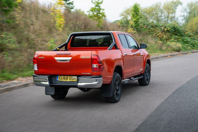 Image 6: Toyota Hilux Diesel Invincible D/CAB Pick UP 2.4 D-4D