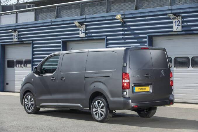 Image 4: Peugeot Expert Standard Diesel 1000 1.5 Bluehdi 100 Professional VAN