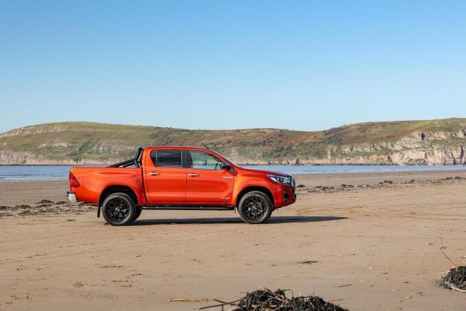 Image 2: Toyota Hilux Diesel Invincible D/CAB P/UP 2.4 D-4D Auto [NAV] 3.5T TOW