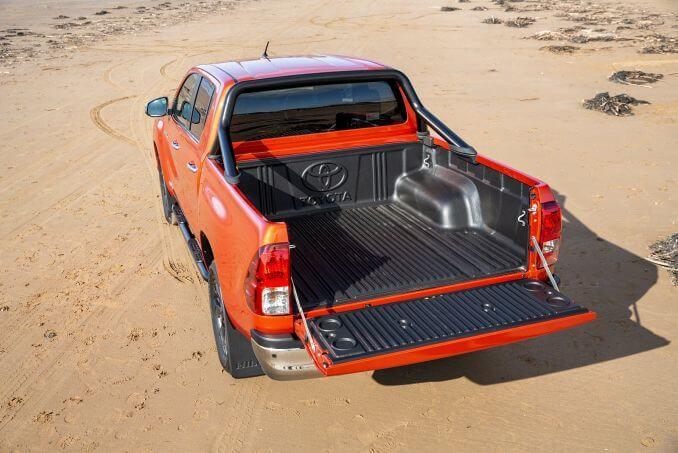 Image 3: Toyota Hilux Diesel Invincible D/CAB P/UP 2.4 D-4D Auto [NAV] 3.5T TOW